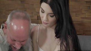 Teen babe Mia Evans craves for a vintage cock